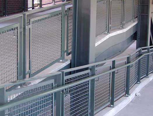 benefits of wire mesh infill panels
