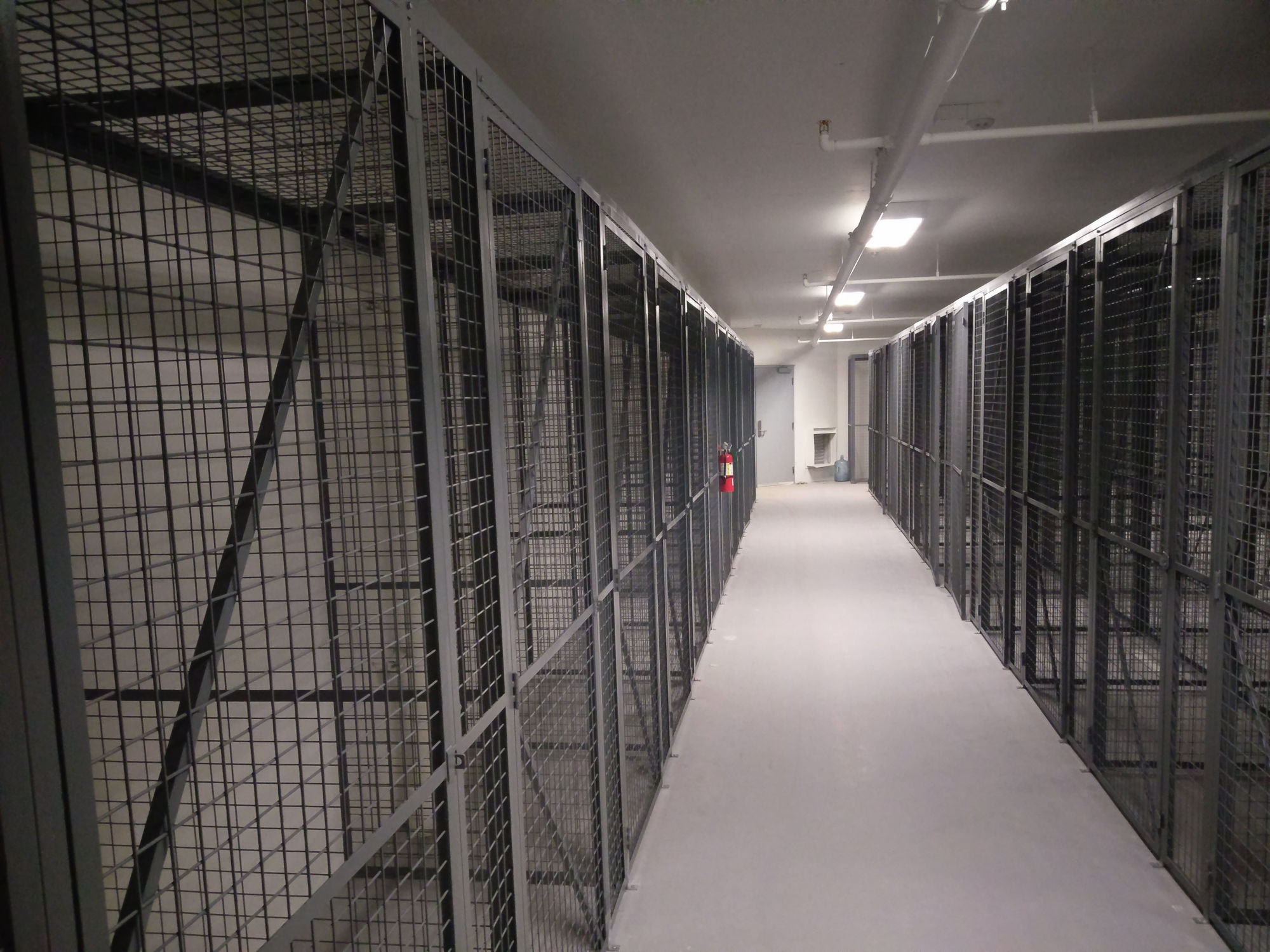 wire-mesh-tenant-storage-lockers